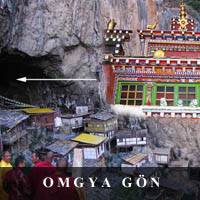 photo of Omgya monastary located within a cave in Yunan