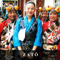 image of Tenpela Jamyangling at opening of Zatod Tibetan Library with local girls